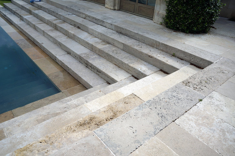 Pool stairs 753 xxx q85